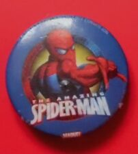 THE AMAZING SPIDERMAN SMALL PLASTIC PIN BADGE GC 1990S? MARVEL COMICS