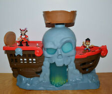 JAKE AND THE NEVERLAND PIRATES BATTLE AT SHIPWRECK FALLS PLAYSET ACTION FIGURES