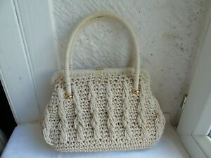 Women's bag  made in Italy color off white / beige used vintage