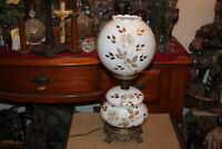 Vintage Gone With The Wind GWTW Table Desk Lamp White Glass Rose Flowers Leaves