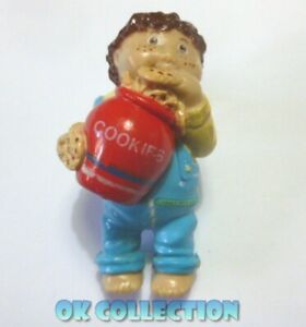 CABBAGE PATCH KIDS personaggio pvc 6 cm - LUI CON BISCOTTI (China 1984) 167