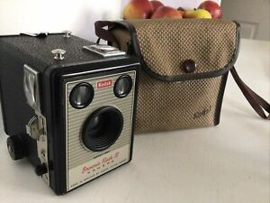 Kodak Brownie Flash III - vintage roll film camera With Case Working