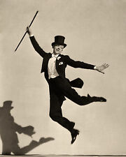 FRED ASTAIRE 8x10 PICTURE DANCING TOP HAT TUXEDO PHOTO 1