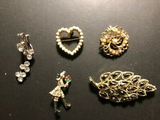 "Old Vintage ""SPLENDID"" Pin-Brooches (4) & Scarf -Collar Pin (1)"