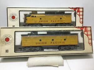 Stewart/Kato #8510,8511 F-3 A & B both POWERED. UNION PACIFIC  W/ OLD COUPLERS