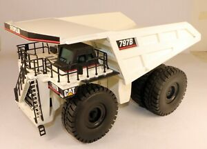 1/50 NZG Caterpillar 797 Off-Highway Mining Truck White Diecast Metal