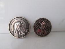 Pareja de medallas para cintas. Virgen y San Ignacio de Loyola. Plata. Años 40
