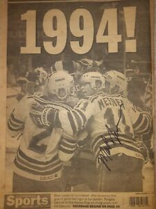 Mark Messier Autographed Stanley Cup1994 Daily News