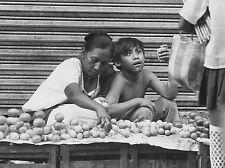 MEXIQUE 1981 ABC-FOTO VENDEUSE DE RUE ET SON ENFANT