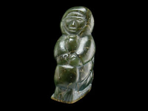 INUIT GREEN SOAPSTONE CARVING  ESKIMO HUGGING SEAL  DATED 1978 SIGNED & NUMBERED