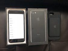 Apple iPhone 7 - 128GB - Jet Black (Unlocked) Smartphone + charging smart case