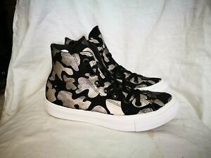 Converse patterned casual trainers size 6