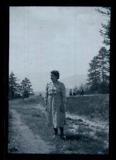 Femme pose pour la photo - Ancien négatif Photo