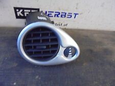 Grille d'aération anti-buée Renault Clio III 220407AN 1.2 74kW D4F784 121417
