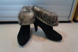 Stuart Weitzman black suede ankle boots with shearling trim sz 37/UK4