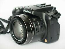 Panasonic LUMIX DMC-FZ200 12.1 MP Digitalkamera - Schwarz