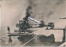 Foto brennendes englisches Wasserflugzeug abgeschossen-Pilot 1.WK (1978)