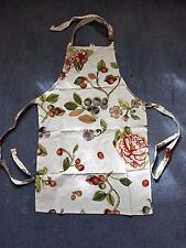 White Floral 100% Cotton Apron with adjustable neck strap and wraparound straps