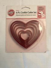 Wilton Nesting Hearts Cookie Cutters - 6 Bright Pink Cookie Cutters