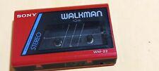 Sony Walkman WM-22 color rojo funcionando
