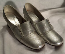 Ladies' vintage silver chunky heels with rhinestone accent on buckle