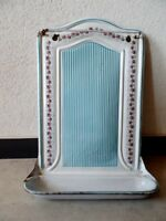 ANTIQUE BB GRANITEWARE ENAMELWARE BLUE STRIPED AND GARLAND USTENSIL HOLDER