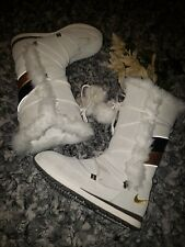Womens Nike Ivory with Brown & Gold Fur Snow Boots Size 6.5