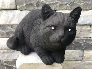 Katze Hockend aus Steinguss Schwarz Gartenfigur Frostsicher