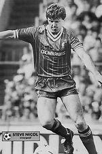 Football Photo>STEVE NICOL Liverpool 1983-84
