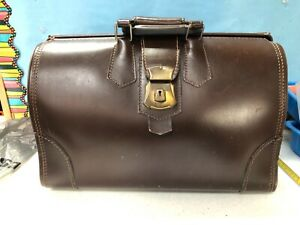 Vintage Guaranteed Genuine Leather Brown Doctor's Medical Carry/Travel Bag