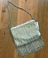 Neues AngebotBnwt Zara Silber Metallisch Strass Crossbody Tasche mit Fransen