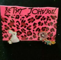 Betsey Johnson alloy Rhinestone Enamel rabbit flower stud earrings wedding jewel