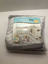 New listing BreathableBaby Classic Breathable Mesh Crib Liner - Gray Chevron