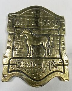 THE WHITE HORSE SOLID BRASS MEDALLION PAPERWEIGHT TAVERN SCOTCH WHISKEY
