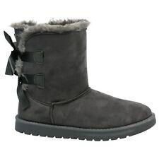 Équipements de neige gris pour les sports d'hiver