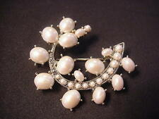 MONET Extra Nice Faux PEARL Pin Brooch ANTIQUE VINTAGE Style Design