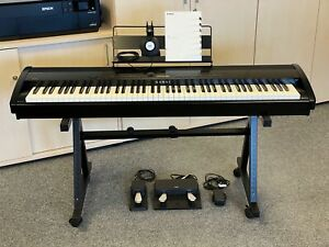Kawai ES 8 Stage Piano mit Ständer, F-10H und F-20 Pedalen, Cover, Kopfhörer