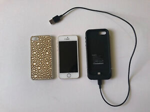Apple iPhone 5s Gold 32GB Unlocked A1533 With Mophie Charging Case Bundle