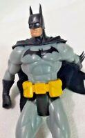 """DC Comics Batman 2003 Action Figure 6 1/2"""" Cloth Cape Dark Knight Caped Crusader"""