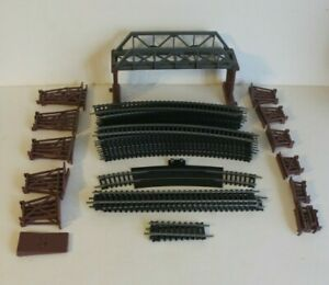Vintage Tyco HO Scale Model Train Track Lot - 82 Piece Curved Straight Trestle