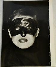 Fotografie,Portrait,Frau m.Maske,Ingeborg Borm-Klinkicht,1986,f.Buchheim-Verlag