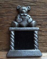 Carino Metallo TEDDY BEAR Mini Cornice Fotografica/Effetto Peltro/Piccolo/Kids Nursery/Novità