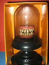 SPOOKY VILLAGE ANIMATED CHATTERING TEETH NEW IN BOX HALLOWEEN PROP
