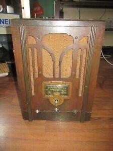 Antique Vintage Cathedral RCA Victor Model 5T Superheterodyne Vacuum Tube Radio