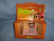 1980 the Littles by Mattel - Flossie Littles and her Bed #1790