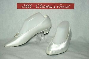 DYEABLES HIGHLIGHTS USA Shoes Heels Low Classic White Satin Sz 8.5 W Wide *G-VG