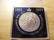 1977 Elizabeth Ii Jubileo De Plata uno corona moneda en caja de presentación
