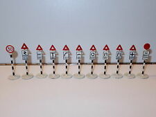 DINKY TOYS LOT OF 11 BRITISH ROAD SIGNS 1950s MECCA ENGLAND