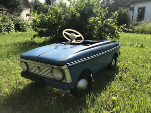pedal car vintage moskvich children's toy bicycle car, toy ussr model car