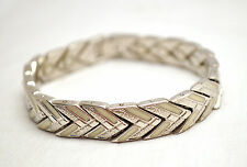 LADIES 7.5 IN SILVER & WHITE CHEVRON HEALING MAGNETIC LINK BRACELET: Helps Pain!